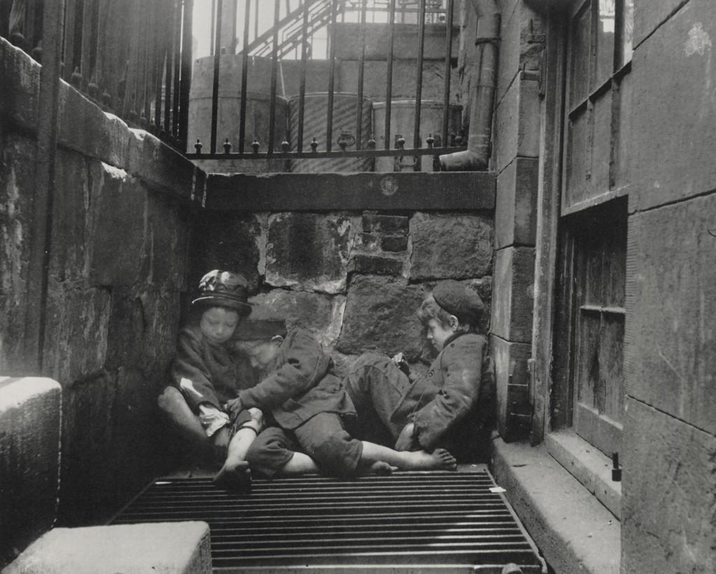 'Children sleeping in Mulberry Street' (1890)