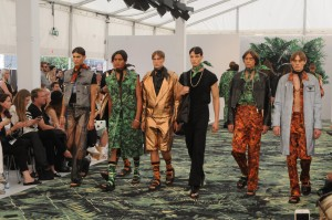 The men's fashion label Asgar Juel Larsen showed its collection `Ecstatic Lust´. Precisely designed cuts in wild tropical patterns and big jackets that evoked an army style were perceived very positively, promising a colourful next season of men's fashion.