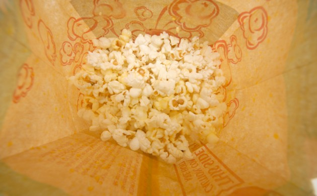 Some supermarkets have already pulled microwave popcorn from their shelves because of the fluorides found in the packaging (photo: iStock)