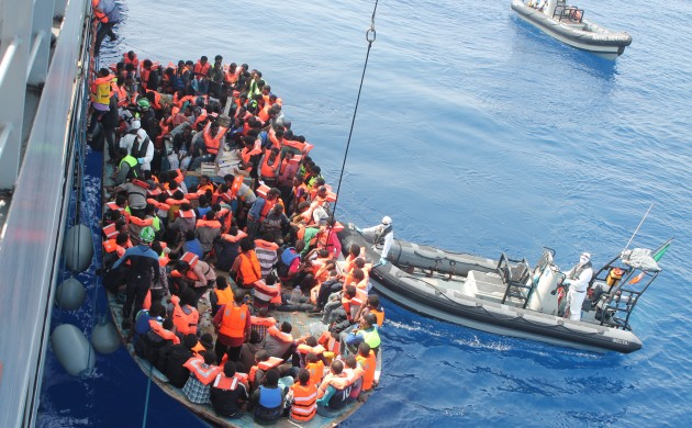Refugees coming to Europe on an overcrowded boat  (photo: Tomh903)