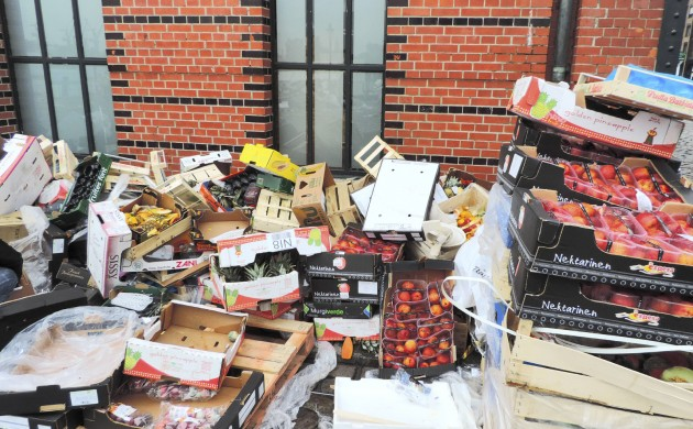 Danes throw out over 700,000 tonnes of food (photo: iStock)