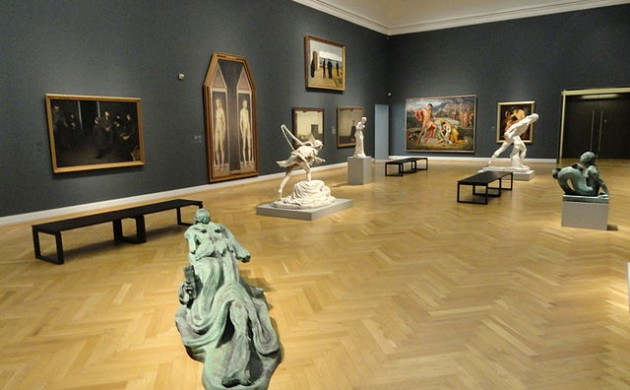 One of the exhibit halls at the National Gallery of Denmark (photo: Daderot)
