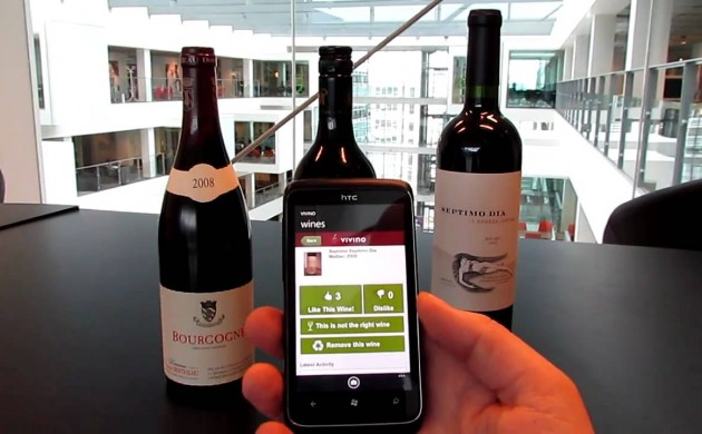 Vivino app scans wine labels and provides users with instant information about the wine's ratings and price (photo: Youtube)