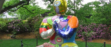 De Saint Phalle may be dead, but her vision of femininity lives on in her art. (Photo: CCO)