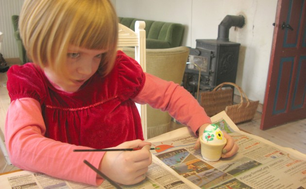 Decorate your easter eggs at the creative space cafe