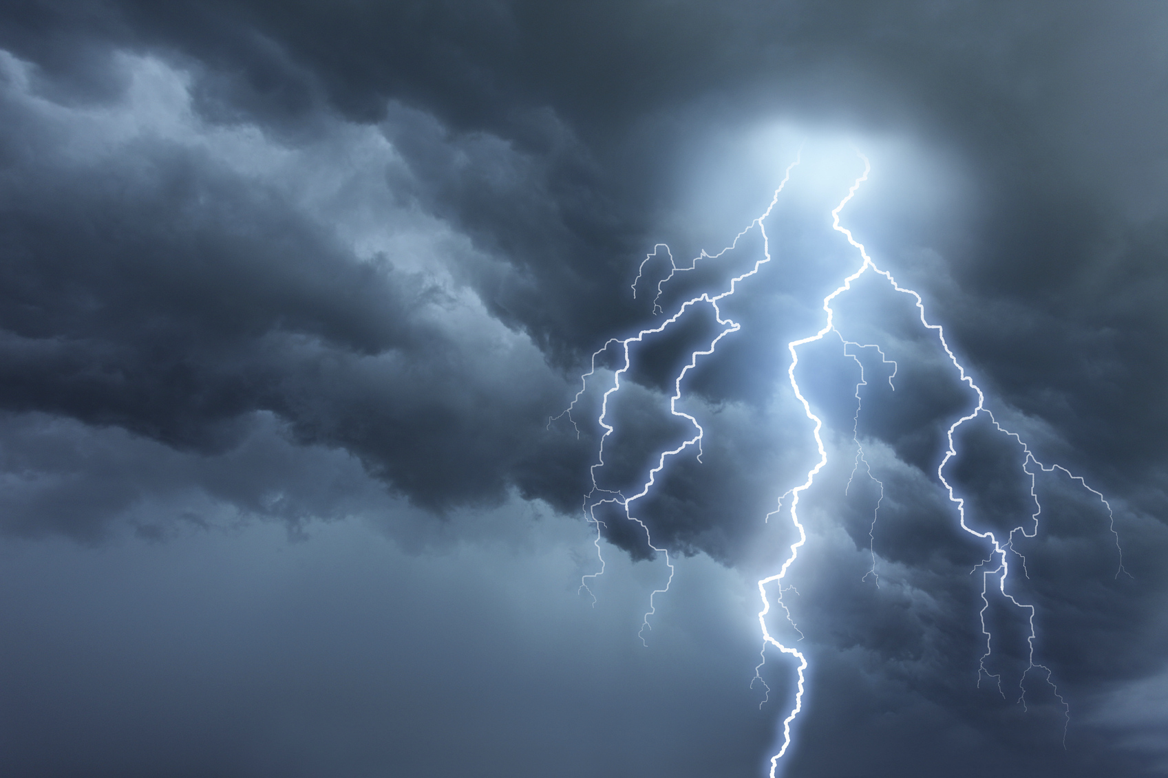 Cold front from the west will bring rain and thunderstorms to Denmark this week (photo: iStock)