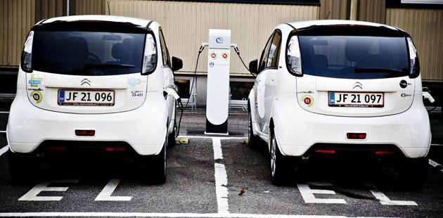 Electric Car Industry Looking For A Spark Photo Dansk