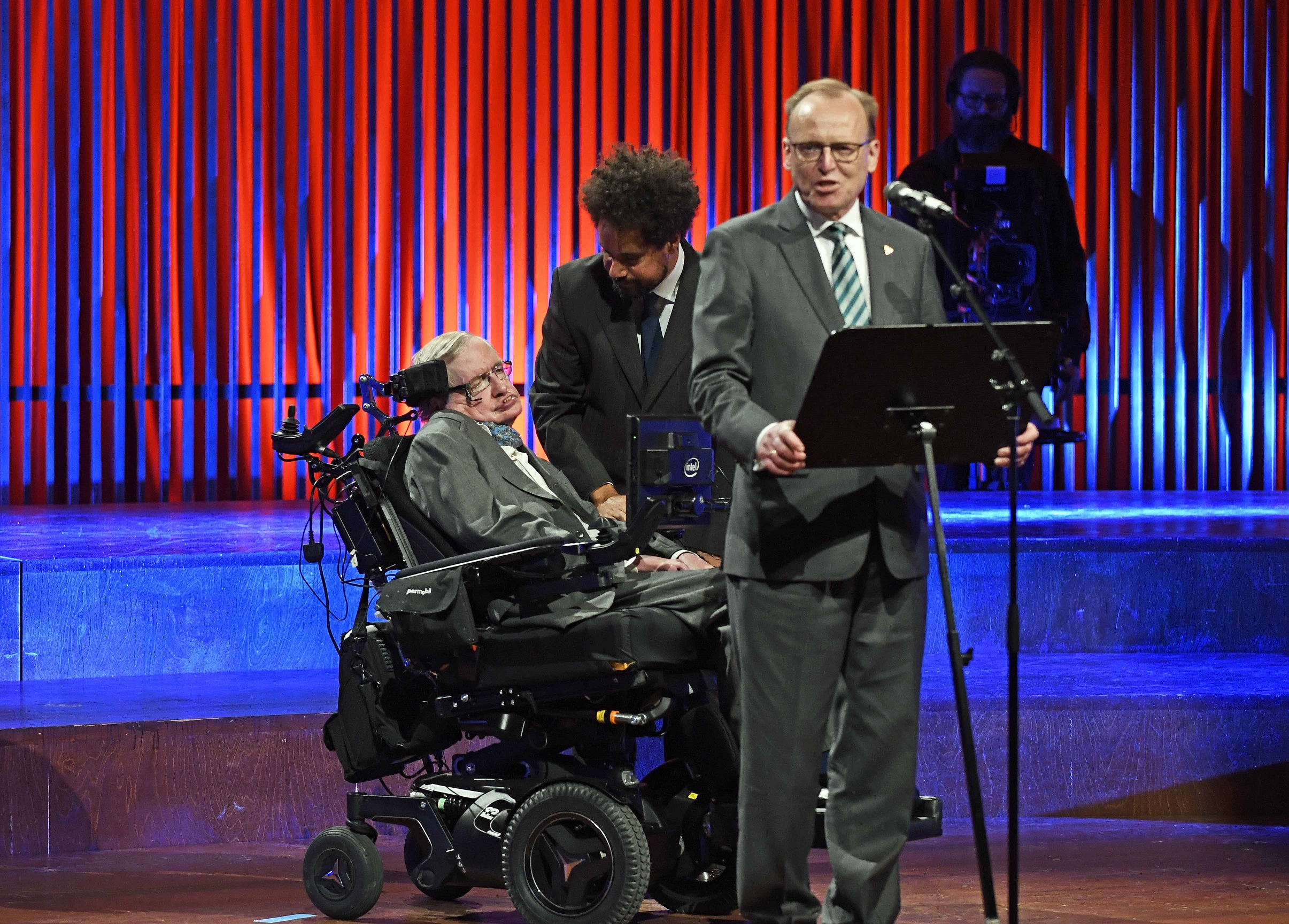 Hawking got a warm welcome from the Copenhagen crowd (photo: Hasse Ferrold)