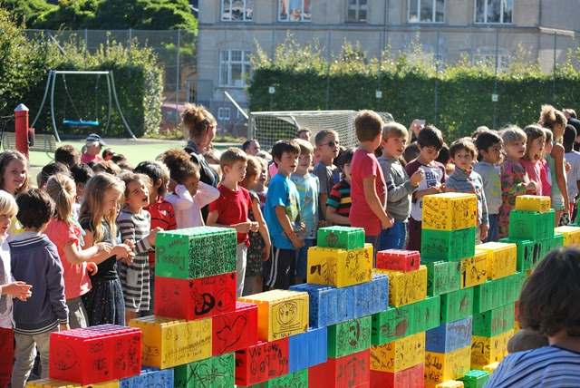 Students from CIS building the Wall of Peace (all photos: CIS)