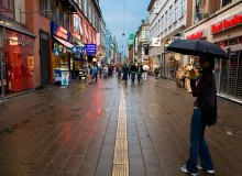 Large chain stores are driving the small merchants away from Strøget (photo: Kenny Louie)