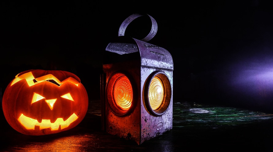 Get your carving knife and lantern out ... it's that time of year again! (photo: Pixabay)
