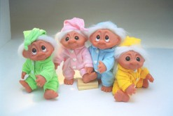 """In the troll version of Oliver!, Bill Sykes has just told the forlorn-looking fellas to """"start a library"""""""