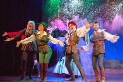 Robin Hood and the gang onstage (photo: Thomas Petri)